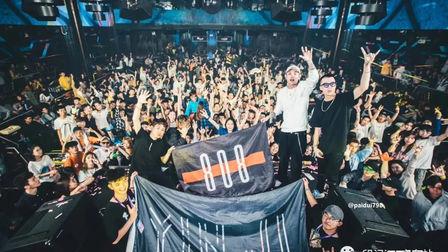 广州party  回顾 | 3月23日,#  荧光电音主题派对 #  一场 荧光电音狂欢派对!!!