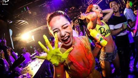 洛城88酒吧 荧光派对   #史上最大规模&最强阵容# 狂欢荧光派对特邀知名派对宠儿丨Sexy Queen