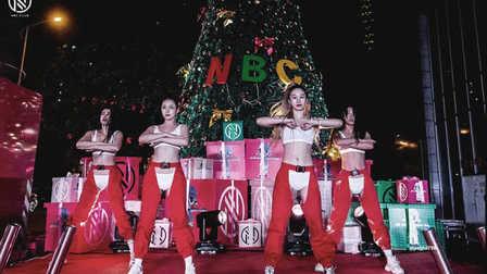 NBClaboratory  Review丨圣诞点亮仪式,点亮龙城夜晚,点亮你蠢蠢欲动的玩乐之心,点亮娱乐新时代